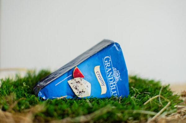 Сыр Грандблю сливочный с голубой плесенью 56%