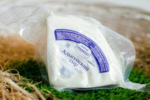 """Сыр Адыгейский 45%, """"Магаданский"""""""